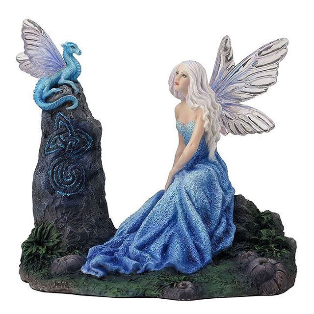 "This is the third figurine that came out recently, based on my painting Luminescent. The details are always so spectacular with these. I'm so very impressed with how true this is to my original painting. If you would like any of my figurines just google ""fairy glen Rachel Anderson"". . . #fairy #figurine #dragon #fantasyart #dragonart"