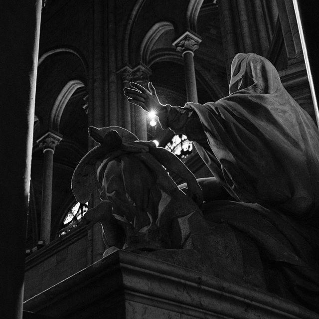 Behind the Pieta in Notre Dame, 2016. 🖤  #notredame #pieta