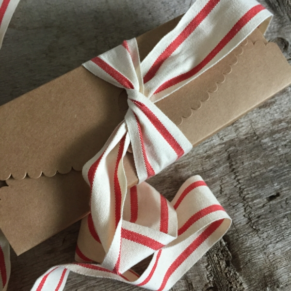 Scallop Gift Box in Kraft Paper from White and Fig with French Stripe Ribbon in Red