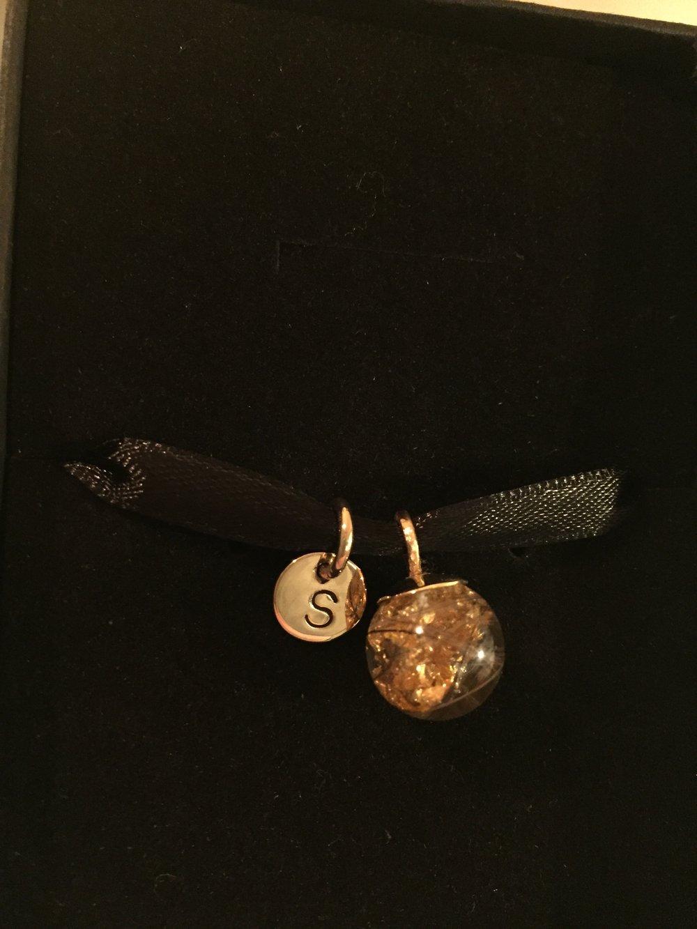 smykker med aske