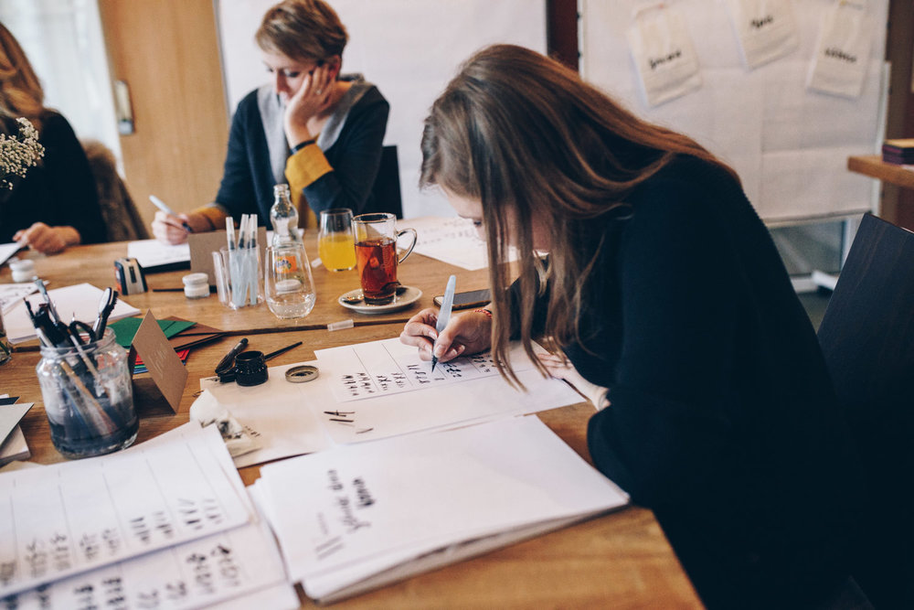 Creative Weekend Workshop Kalligrafie, Lettering & Digitalisierung von Ana Luiza und Viviane Lenders