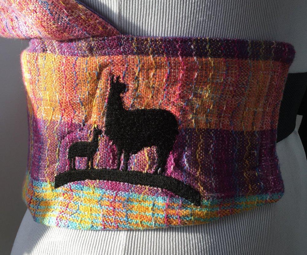 Looming Llama Logo