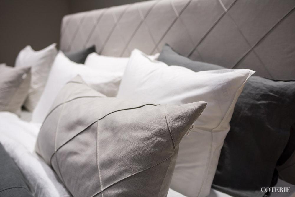 Jossei koko sänkyä, niin vähintäänkin näitä ihania ruudullisia tekstiilejä kotiimme toivoisin!