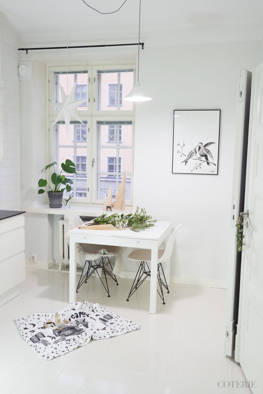 Lauantaiaamuinen hiljainen keittiö poikien vielä nukkuessa. <3 Kettupeitto ja puupalikat stailattu kuvaan – myönnetään. :)