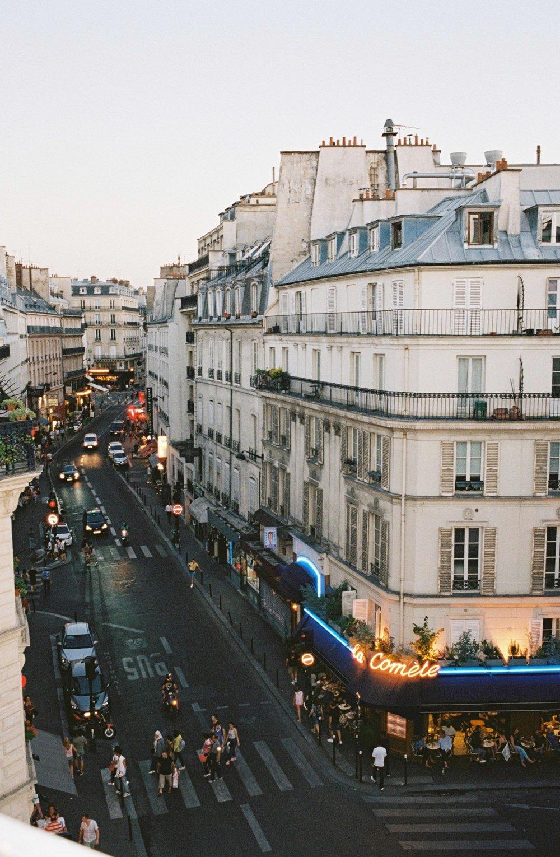 Paris, 18