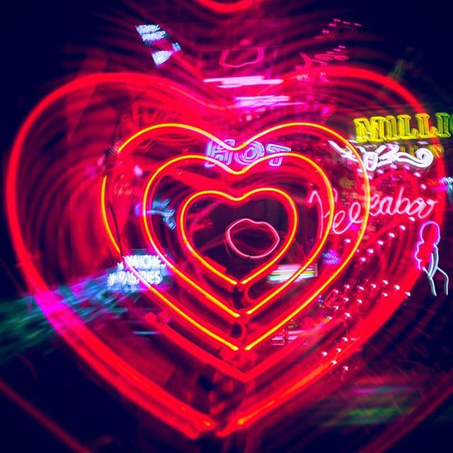 #neon #photography #instadaily #instalike #london #heart