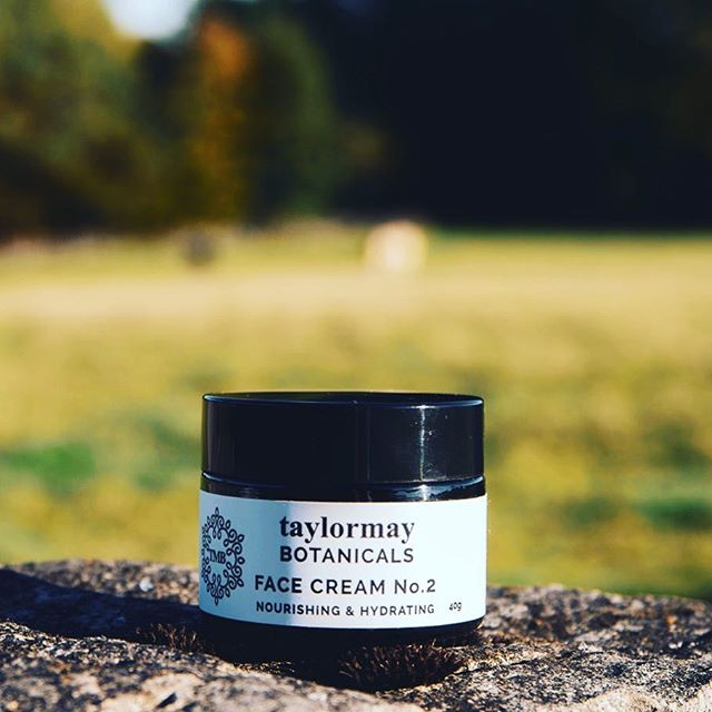 Windy Autumn weather? Our Face Cream No.2 is full of nourishing, hydrating and easily absorbed Jojoba, Camellia, Borage and Pomegranate oils all known for their regenerating and repairing qualities. Just what your skin needs for Autumn and the coming winter!  Shop tmbotanicals.co.uk/face-cream-no-2/face-cream-no-2 #inspiredbythepeakdistrict #peakdistrict #organicskincare #autumnskinprotection #soilassociation #vegan @vivacharity