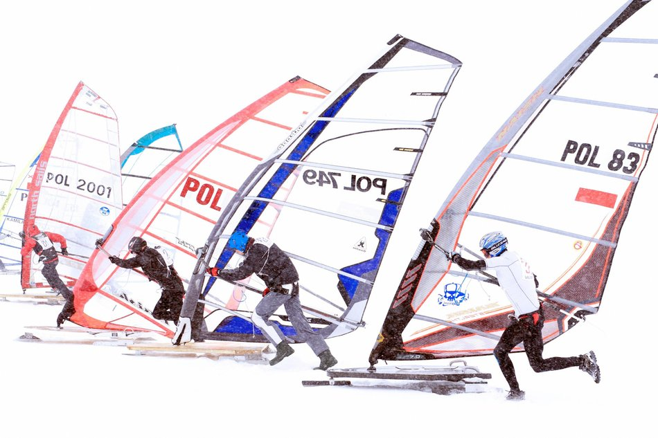 crazy-winter-sports-snow-sailing.jpg