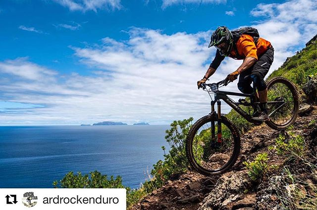 Not long now until @ardrockenduro 🔥 Our very own @stevepeat will be there as well as the @peatysproducts team🍻 Keep an eye out for what's to come at Ard rock this year! All will be revealed😮💃🏻 ・・・ World Champ, Mountain bike legend and Yorkshire gent @stevepeat is on the Ard Rock start list! Look out for Ard Rocks newest stage too... @peatysproducts Party line 🙌 . . #ardrock #ardrockenduro  Pic @delayedpleasure