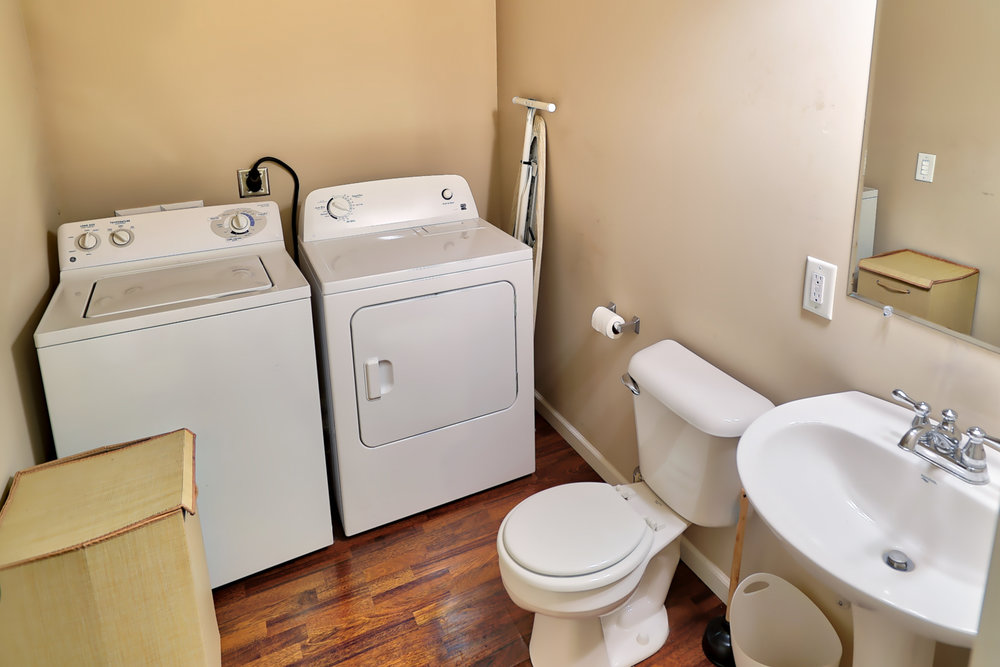 801 25th Ave - Laundry and Half Bath.jpg