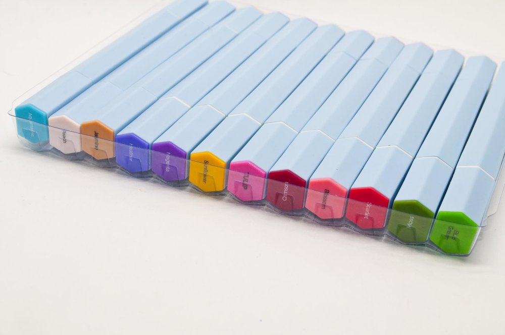 Aqua Markers Tray Of 12 Pens.jpg