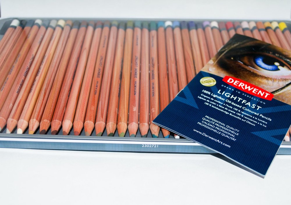 Derwent Lightfast Pencils in Tin And Book .jpg