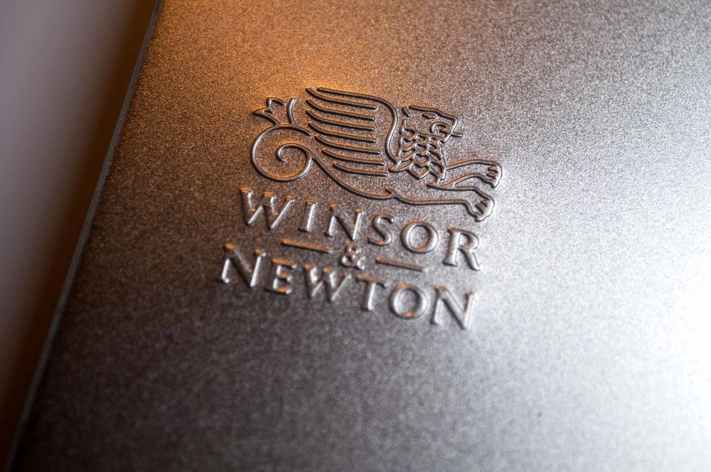 W&N Logo on tin.jpg
