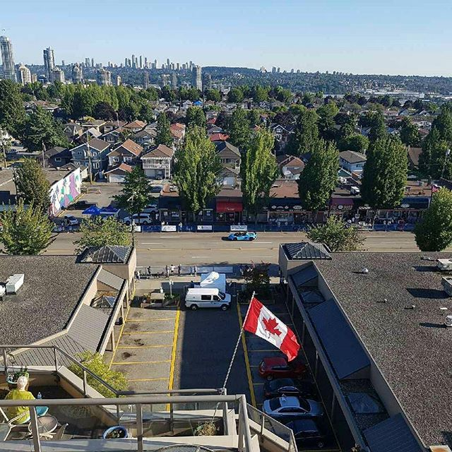View of the beautiful mountains and of burnaby heights from our clients penthouse. Drywall complete and getting ready to professionally level the floors!!😆 #theheights #beautifulburnaby #penthouserenovations