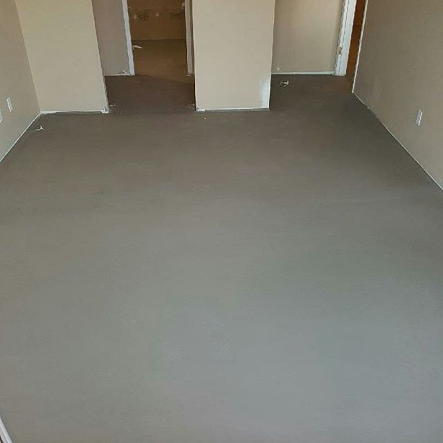 "Floor leveling at our penthouse completed with perfection. Ready for the 36"" Italian tiles to be installed! Great work guys! #floorleveling #constructionperfection #doingthejobrightthefirsttime"