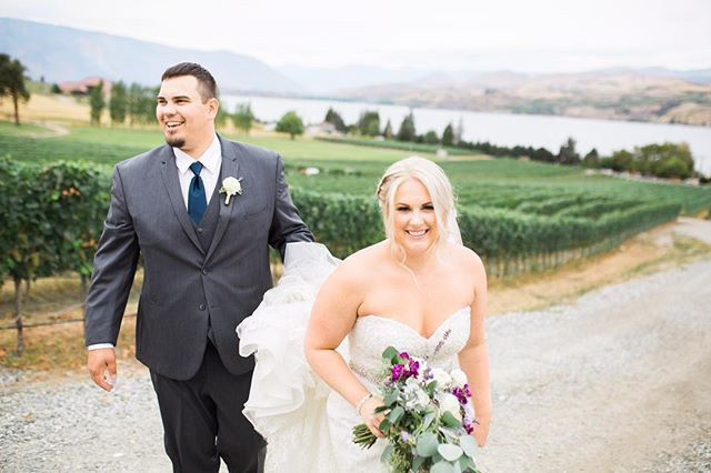 After working with brides for the year leading up to their wedding they turn into friends! Kendal I miss you we need a wine date, thank you so much for choosing me to be part of your special day, it was SO FUN! 📷: @hillarybeltonphotography 💐: @lakechelanflowers