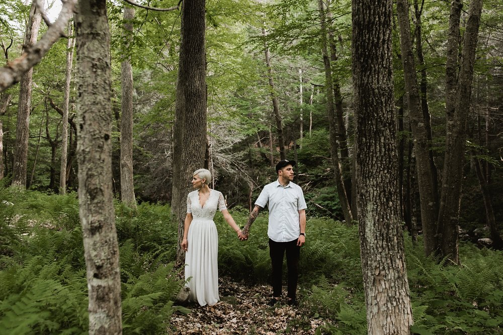 connecticut couple in the woods