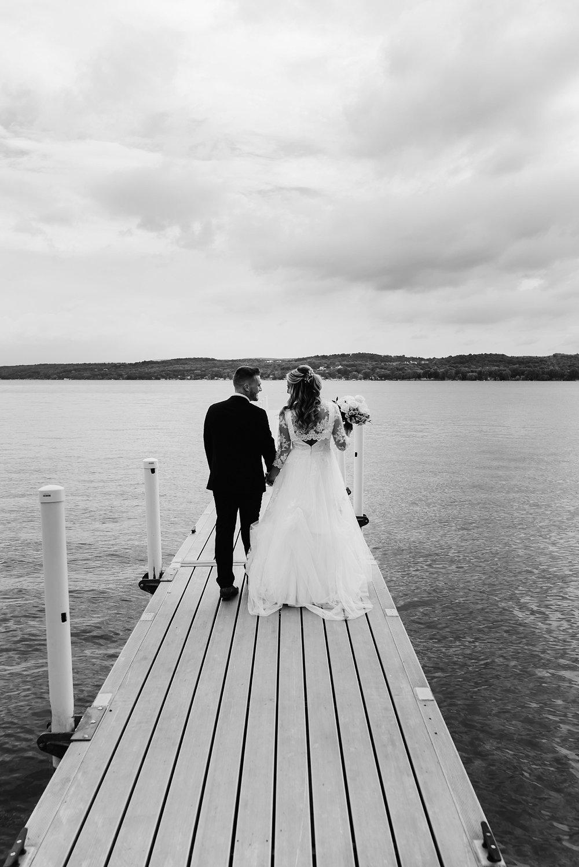 bride and groom canandaigua lake
