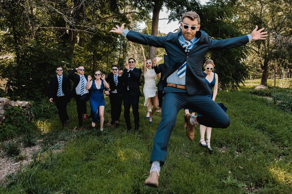 photo bombing groomsman