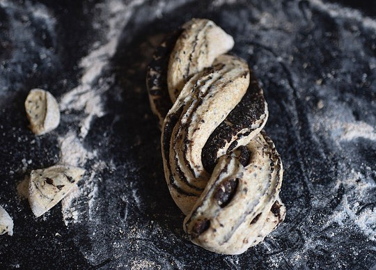 Another year, not very many blog posts so thanks for sticking with me!!! 💖 Here are my top 3 viewed recipes this year. 1️⃣ Black Sesame Tangzhong Babka 2️⃣ 2x Dark Chocolate Black Sesame Cookies  3️⃣ Earl Grey Lemon Poppyseed Loaf!  Thanks for all your support! I hope to re inspire myself to post more next year. 🥂Happy holidays and baking!