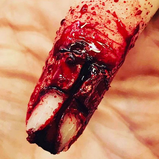 #wound #cuts #makeupartist #makeupschool #makeup #specialfx #sfx #sfxmakeup #specialfxartist #specialfxmakeup #ksfx #ksfxmakeup #blood #fingernail