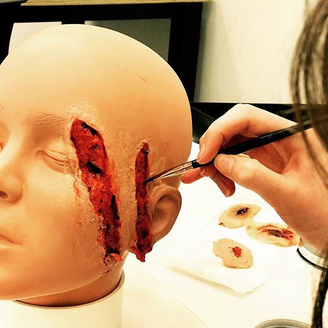 #wounds #cuts #specialeffectsmakeup #speciafxmakeup #specialefx #ksfx #ksfxmakeup #makeupartist #sfxmakeup #sfx #christchurchmakeupschool