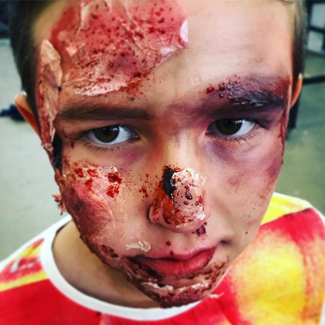 Kids Holiday Program fun!! #holidayprogram #sfxkids #kidsandmakeup #sfx #sfxmakeup #sfxmakeupartist #ksfx #ksfxholidayprogram #ksfxmakeup