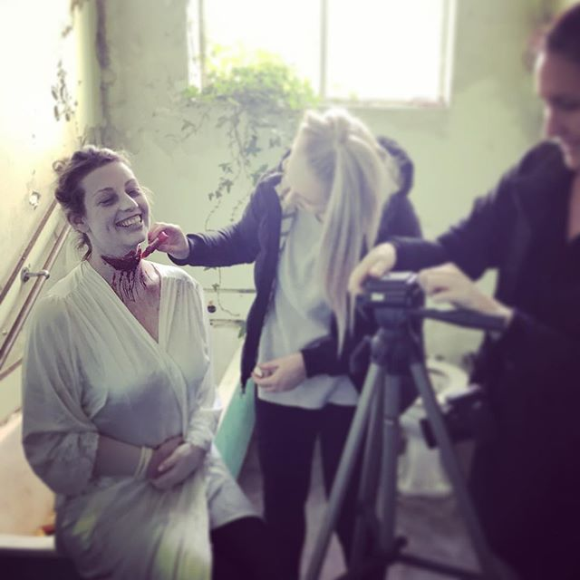 Behind the scenes from last weeks photoshoot 📷#sfxmakeup #sfx #specialeffectsmakeup #makeupartist #makeupeducation #photoshoot #photographer #ksfx #ksfxmakeup