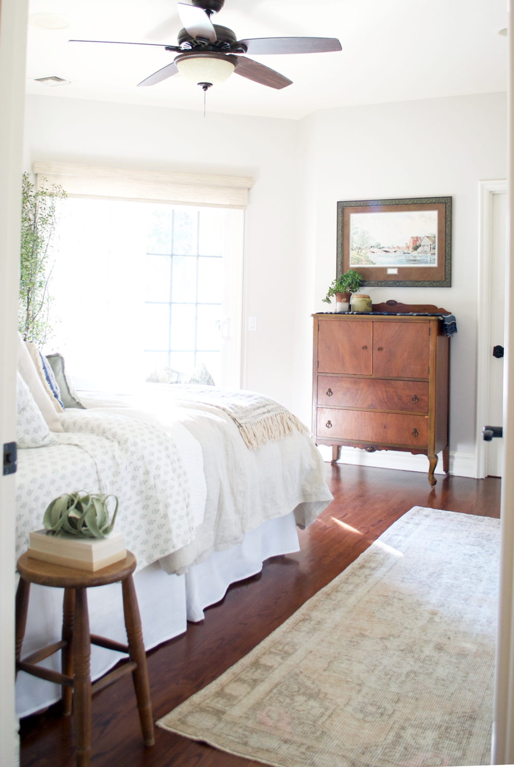 cozy guest bedroom -