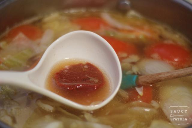 oxtail-soup-tomato-paste1.jpg