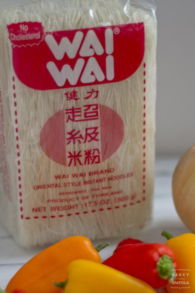 singapore-style-rice-vermicelli-ingredients-wai-wai-vermicelli.jpg