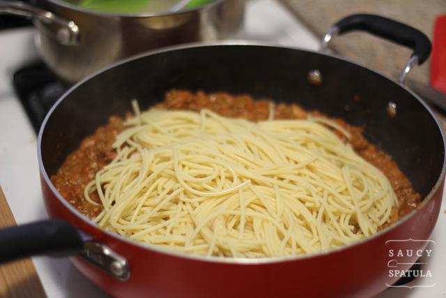 spaghetti-bolognese-cooked-pasta.jpg