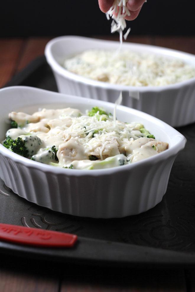 chicken-broccoli-baked-rice-layer-cheese.jpg