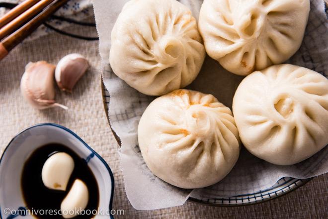 Addictive Kimchi-Pork Steamed Bun by Omnivores Cookbook
