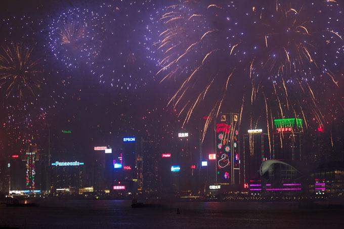 hong-kong-new-years-fireworks-2015.jpg