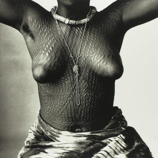 A Dahomey girl, 1967. Photo by Irving Penn.