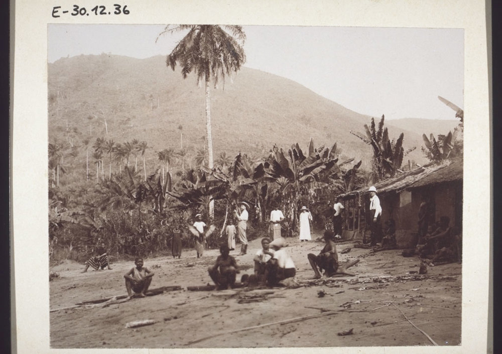 A missionary outstation at Ndogomakumak. Cameroon, 1906.