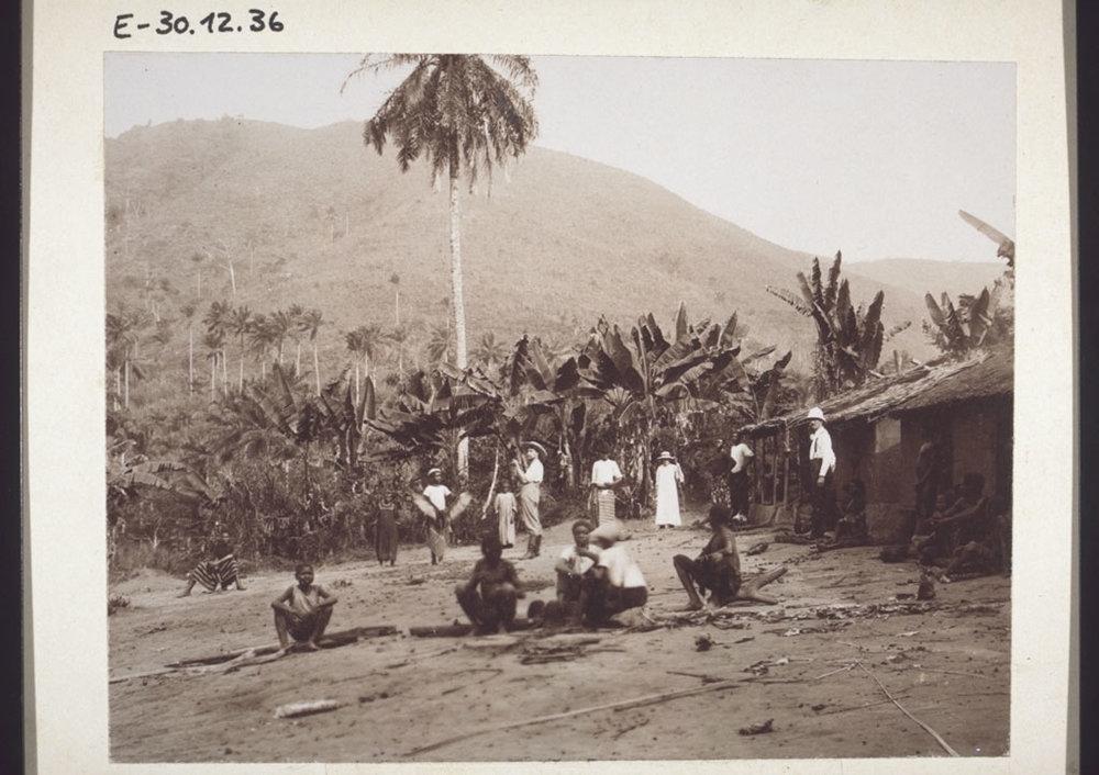 A missionary outstation at Ndogomakumak. Cameroon, 1906.