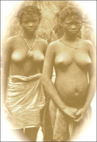 Above: Haut-Luapula women, Belgian Congo, 1920s.