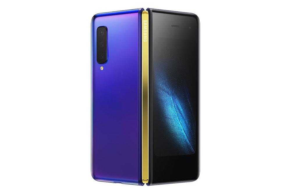 Samsung Galaxy Fold สำหรับ AT&T สีตัวเครื่อง Astro Blue และสีบานพับ Gold