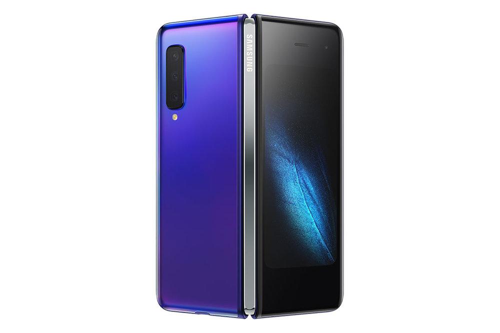 Samsung Galaxy Fold สำหรับ AT&T สีตัวเครื่อง Astro Blue และสีบานพับ Dark Silver