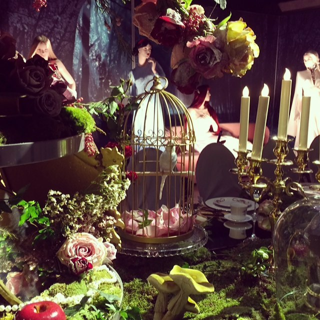 There was even a bird at the table 😘 #steenogstromoslo #disney #oslorunway #thisispr #veronicabvallenes