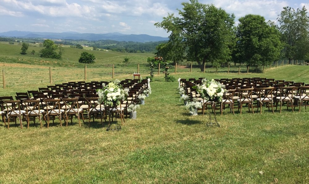Whitesides_ceremony_setup-web.jpg