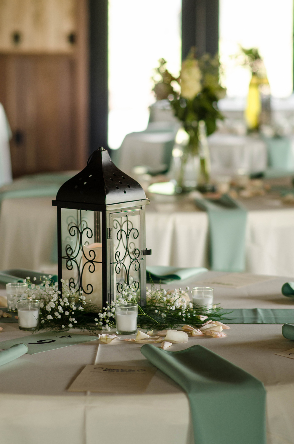 Interior_table_decor_closeup_whitesides_web.jpg