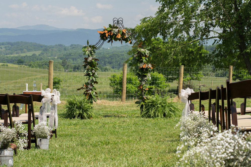 ceremony_setting_trellis_web.jpg