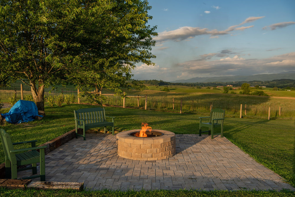 Middle_Fork_Barn-firepit-dusk-mountain-views_web.jpg
