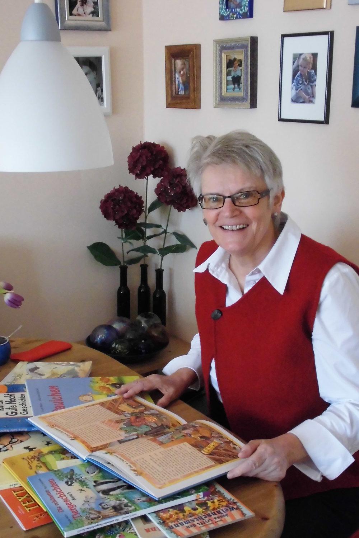 """""""Kinder da abholen, wo sie stehen"""" will Ursula Muhr. Einfühlsam geht sie in ihren Texten auf Probleme von Kindern ein.Das gilt auch für ihre gefragten Schullesungen. (Foto: Berg)"""