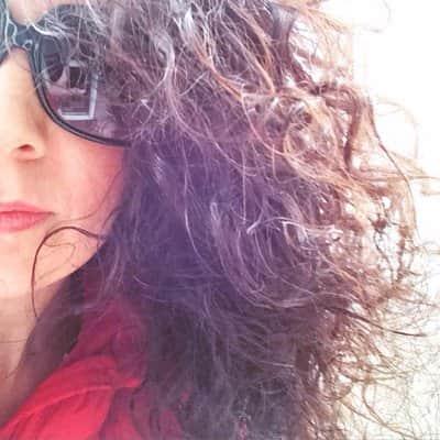 Susan-McLean-mum-blogger-min.jpg