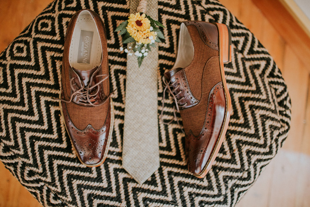 Wedding shoes and tie