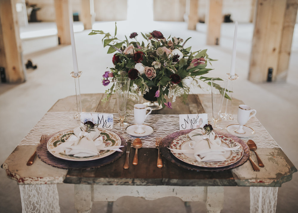 Wedding lavender and greed wooden table setting
